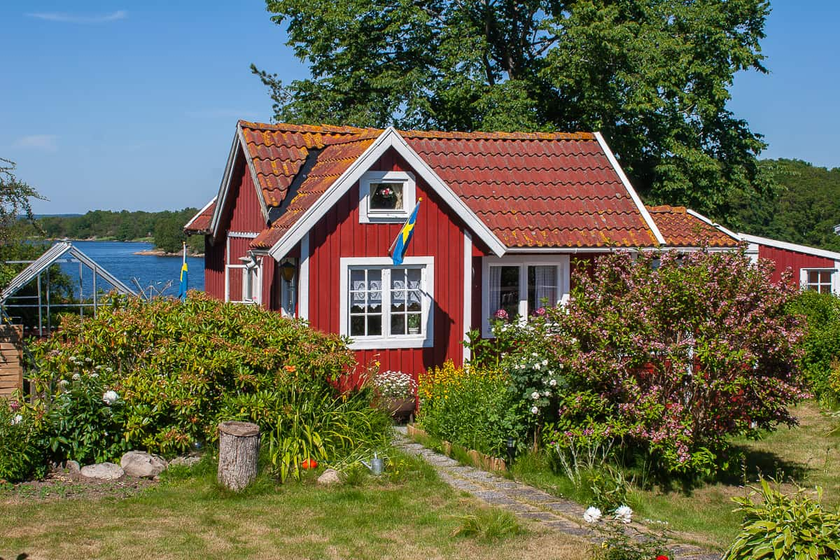 Brändaholm: Schwedische Häuser in Falunrot