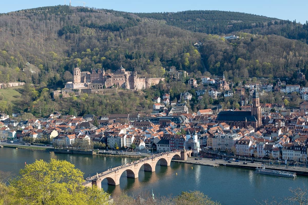 Alte Brücke und die Altstadt von Heidelberg