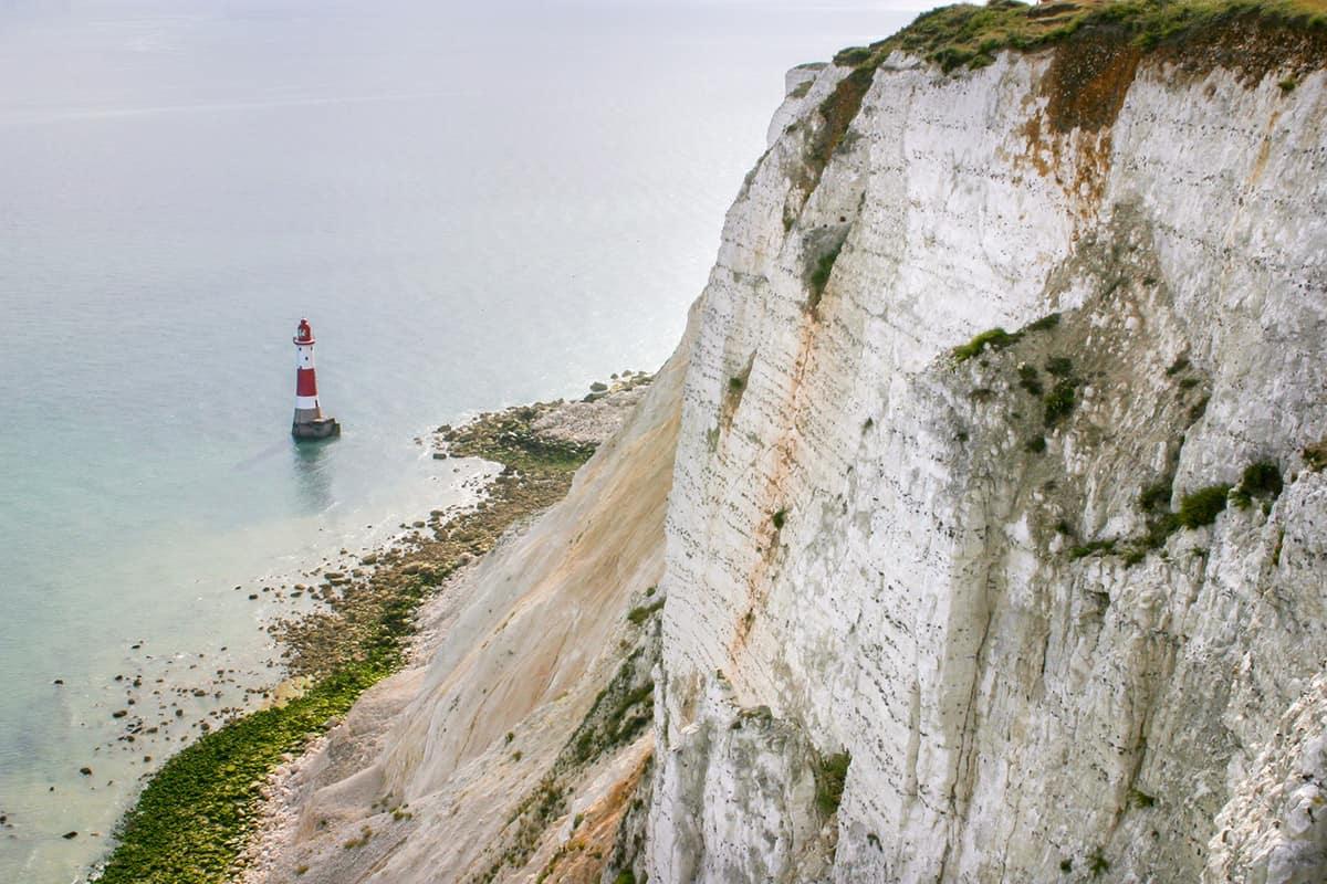 Leuchtturm am Beachy Head mit Kreidefelsen